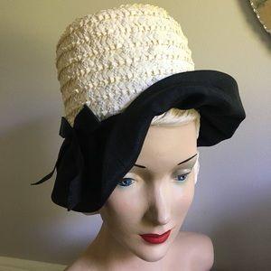 Accessories - Vintage 1950s/1960s Off White Cloche Hat